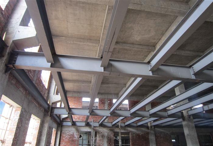钢结构住宅建筑的檩条、屋面板设计